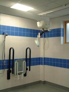 ba os geri tricos y hospitalarios entorno accesible